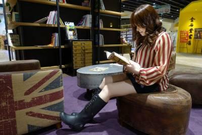LANDFER時尚雨鞋,時尚雨鞋推薦,台灣原創手工天然橡膠雨鞋,舒適好搭又顯瘦的雨天必備鞋款