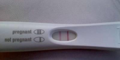 她跟男友「甜蜜」後不小心有了,當她去墮胎時才發現了這個驚恐到忘不了的事實…