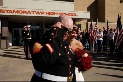 一場讓億萬美國人心酸落淚的婚禮
