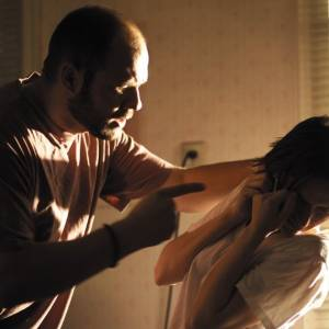 如果你的另一半會暴力對待你,你會想分手嗎