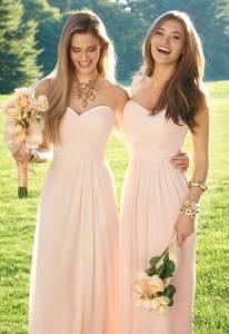 伴娘服穿過一次只能收起來?18套示範,讓撐得起婚禮的伴娘服都能當私服穿!