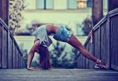 淡淡的妝其實就很漂亮!誰說做瑜珈只能醜醜的~美麗的3個小撇步,瘦身 抗老 舒壓一手包辦!