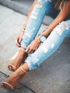 為自己訂作一件破損牛仔褲!不必再試穿到最後沒一件適合的~