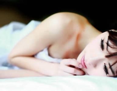 女人為什麼願意男人抱著睡覺?