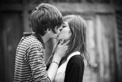 再不下手就是傻瓜 女人索吻時的10種暗示