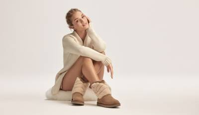 ROSIE HUNTINGTON-WHITELEY 蘿西.杭亭頓 俏皮演繹UGG® 最新聖誕節廣告│恰女生