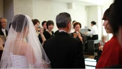 女兒要結婚了,爸爸的攝影機裡藏著的是...