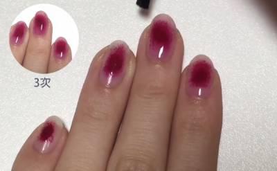 女神風的低調「氣質血色指彩」!3步驟教你畫出淡淡的紅暈光氣色...原來重點是海綿!