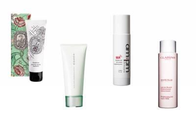 15分鐘搶救換季乾燥手!用不完的化妝水製作「護手膜」,讓你滋潤一整天