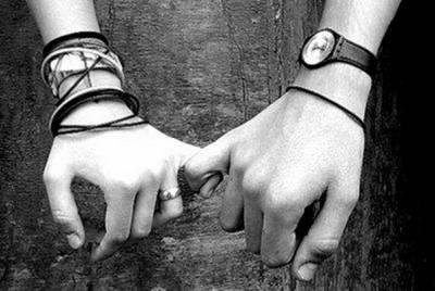 請再牽我的手。