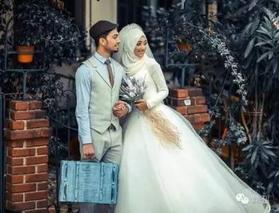 這群女人拍照從不露臉,但露一次就足以讓你驚艷一生!看完穆斯林新娘,覺得西式頭紗簡直樸素到想哭!!