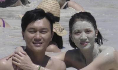 她曾被富豪包養,如今年老色衰,卻被「男神」加「寵妻狂」愛了24年!