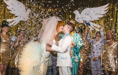 美國女同性戀情侶舉辦浪漫夢幻婚禮