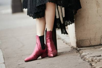 中國超模奚夢瑤穿MULBERRY皮衣 成為巴黎街頭最美的風景