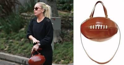 美式足球超級盃NFL休息室的桌上 Lady Gaga的私人包是...