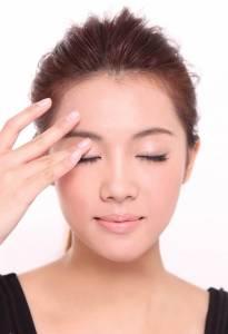 用眼膜就可以去除黑眼圈?!史上最強美膚懶人包~4招教你如何對抗黑眼圈,快跟著小編這樣做!