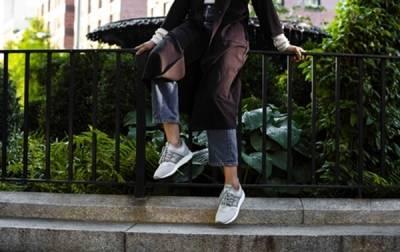 247 Classic極簡純粹 如影隨「型」 New Balance專屬打造女性247鞋款 3 4全球同步上市 │ 恰女生