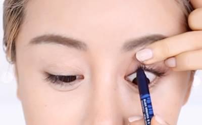 詢問度超高的微混血眼妝!3步驟教你新疆美女迪麗熱巴的「高存在感」大眼~