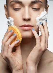你洗臉洗對了嗎?美肌藏在細節裡!「正確洗臉的2個重點」決定妳肌膚的命運~而且最好不要洗超過一分半鐘哦!