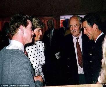 英國黛安娜王妃的「坎坷情路」大公開,王妃一生中為這兩位男人掏心掏肺...沒想到卻遭到如此的背叛!令人心痛