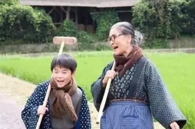 這個外婆不一般!掃40年廁所,養育七個兒女,卻用笑容告訴你,什麼才是真正的富有