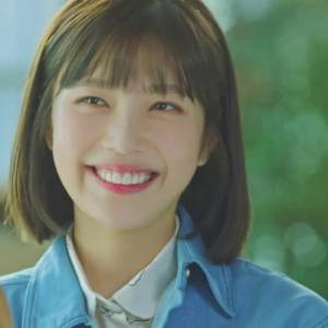 【她愛上了我的謊】Red Velvet JOY 用甜美的「維他命妝容」勾走李玹雨