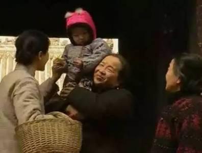 她有30多個子女,曾「暴打」林心如,被罵壞女人,如今年過80美成一朵花!