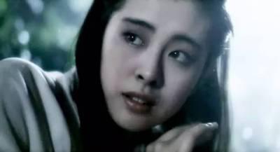 她是最美聶小倩,劉德華成龍梁朝偉都為其所迷,被富豪蠱惑結束十年感情,如今被逐出國,皈依佛門