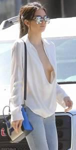 歐美女星不穿bra是有原因的,經調查顯示18-35不穿bra會讓胸部更加堅挺