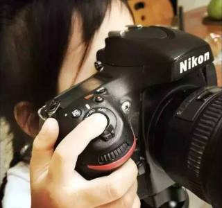 當4歲的女兒拿起相機曬爸媽……鏡頭下的他們,就是婚姻最好的樣子!