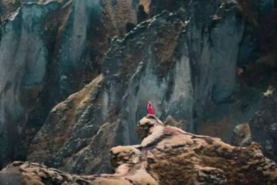 21歲女孩花6年時間,獨自一人走遍全球絕美角落,連續365天拍攝不重樣照片震撼人心