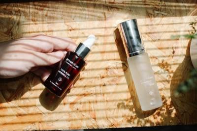 無乳液保養更好?只用化妝水+美容油,吹起減法保養風!
