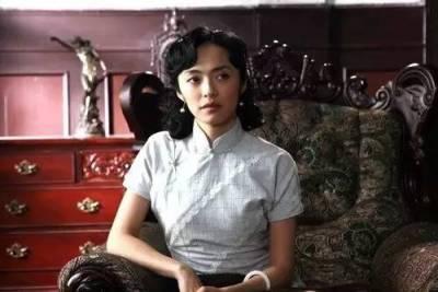 10年前她在肯德基刷廁所,10年後她代表中國冒着槍林彈雨去阿富汗慰問難民,這個「醜女」現在卻是一位大美女