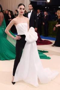 楊冪劉雯齊上陣,今年的時尚奧斯卡女星們為了美都穿得不符合主題?