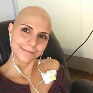 「你胸太小」,不會得乳癌」然而30歲的她,開始了化療...