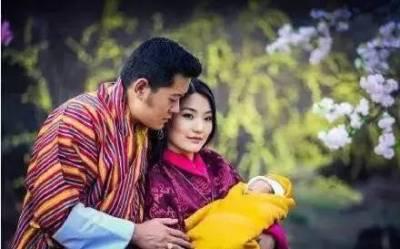 相差10歲,等待14年,他們在全世界最貧窮的國度,成為全世界最幸福的夫妻
