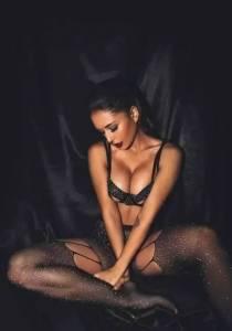 這個90後女孩的黃金腰臀比堪比瑪麗蓮·夢露,被ins評為全球最性感女神!四百萬粉絲每天等着舔屏