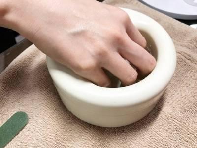 死皮不要再長了!簡單5步驟,你也可以做得到【居家美甲養護】~第1步驟需要先泡溫水5分鐘!