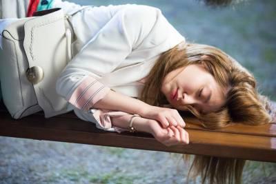 壁咚再進化!近期大勢韓劇中令人心動的「各種咚」,全面挑戰女角的顏值力~