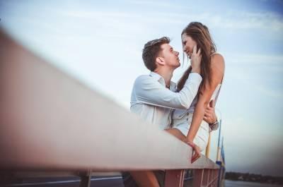 女人總愛拐彎抹角,男人老是不愛思考