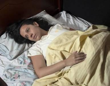 女同攝影師冒著生命危險偷拍「同性戀治療所」的例行日常,卻揭露「每天被強姦」是矯正的第一步...