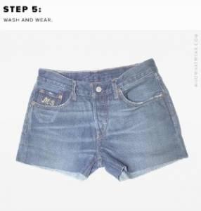 不穿的牛仔長褲別急著丟,「簡單5步驟」打造全新牛仔短褲~ 想製造鬚鬚多點破壞感,就用「砂紙」這樣做...