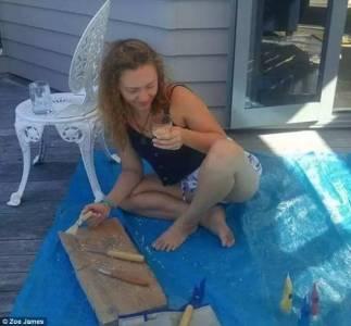 不可思議!紐西蘭女藝術家用自己的「姨媽血」作畫,知道真相後大家竟紛紛豎起大拇指!