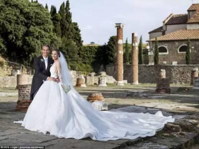 施華洛世奇家的千金結婚,意料之中的閃....能把土豪和浪漫婚禮結合成這樣,也沒誰了...