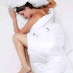 10個會讓皺紋變多小動作, 2原來睡太有對皮膚也是種負擔