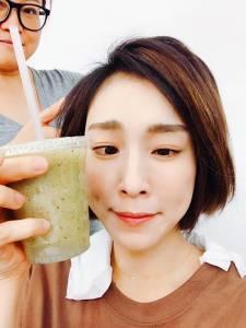 水越喝越沒趣?學女星靠喝果汁,也能喝出水嫩肌!