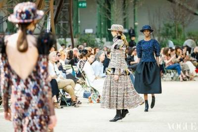 2017秋冬巴黎高訂週:Karl Lagerfeld的巴黎獎章