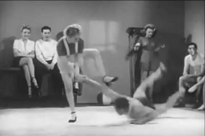 1940年代美國拍攝的一段女子防身影片,影片中的女孩直接打爆色狼