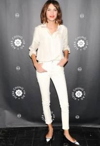 白色單品真的穿起來好涼?!快學Olivia Palermo Gigi Hadid Alexa Chung的夏日白帥帥消暑穿搭,又美又降溫~