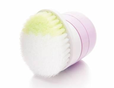 夏天保濕選這款...!4款推薦保養品,跟著彩妝大師Pony一起好好保養Q彈肌,畫出輕透妝感...